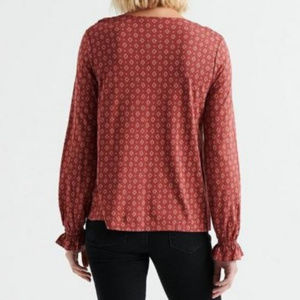 LUCKY Printed Rusty Pintuck Peasant Top